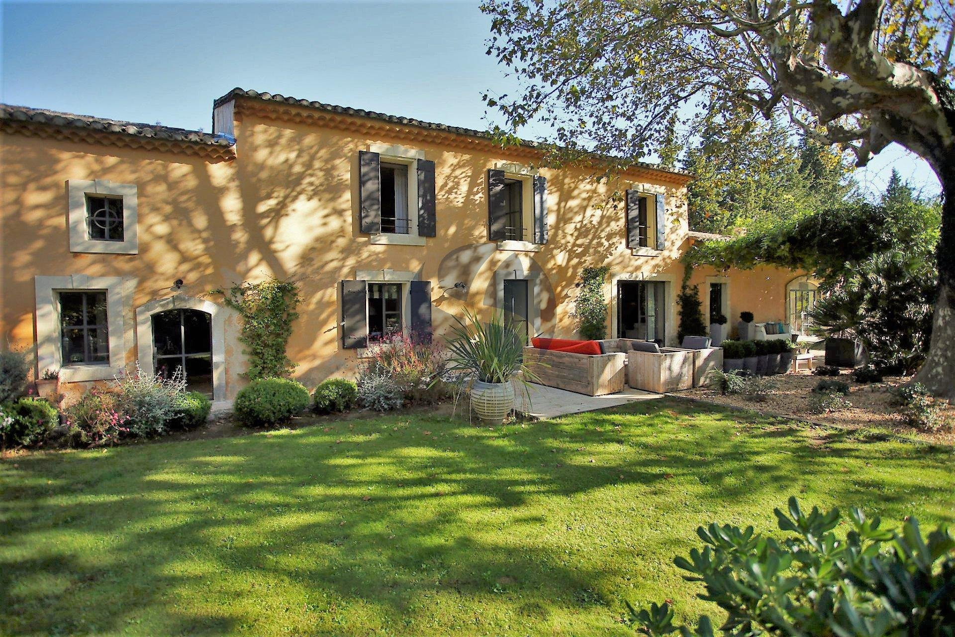 Characterful farmhouse in Saint Rémy de Provence