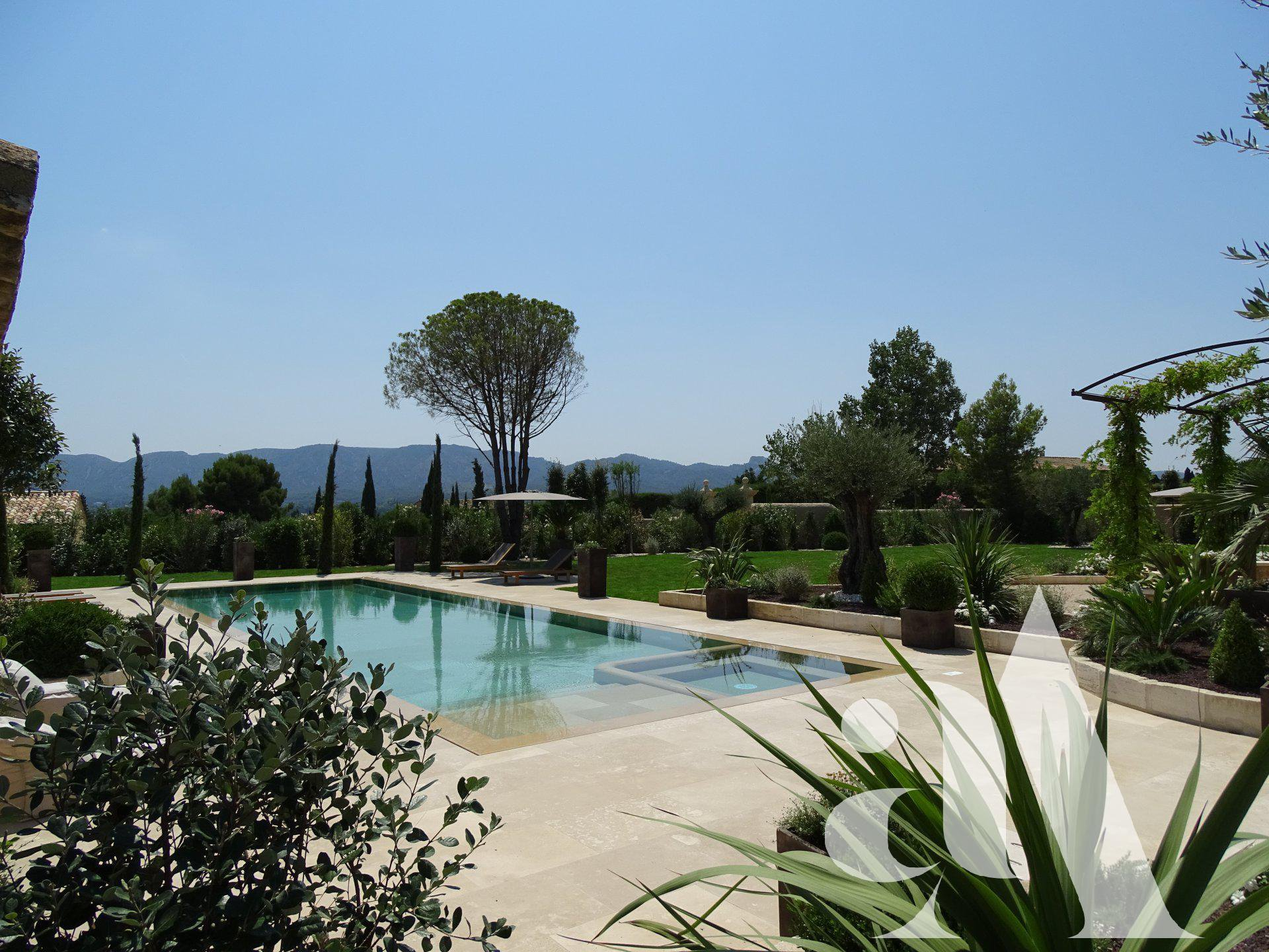 SAINT REMY DE PROVENCE - CHARMING HOUSE WITH VIEW