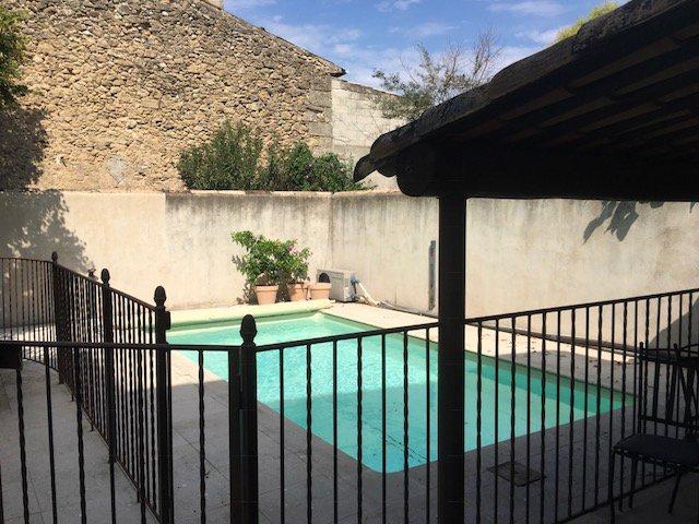 Maison de village de 250 m² avec 5 chambres et piscine