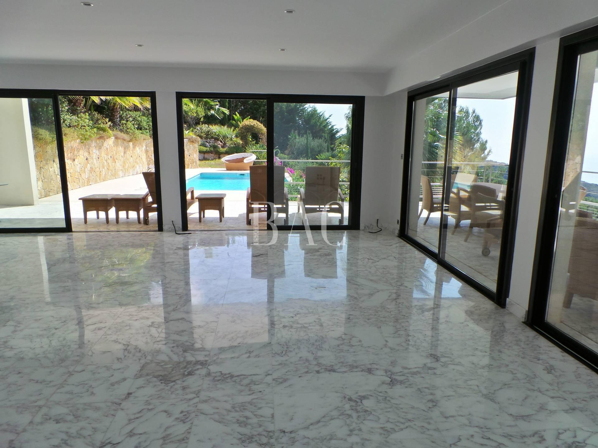 Villa contemporaine à Eze quartier St Laurent