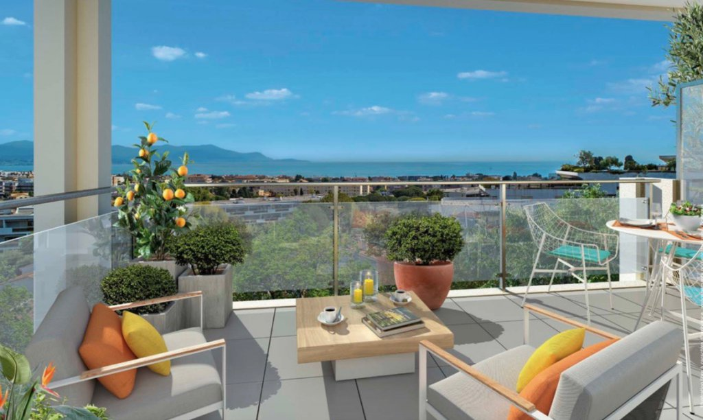 ANTIBES - French Riviera - 3 bed holiday apartment near marina