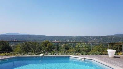 Fayence: huis in het dorp met zwembad en mooi uitzicht