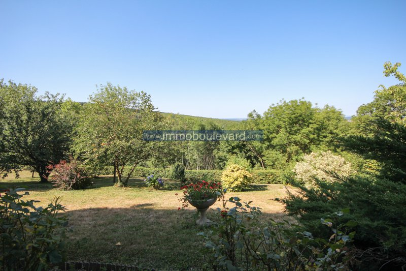 Chateau Chinon (Burgundy, 58) - Large house with apartment and fantastic view