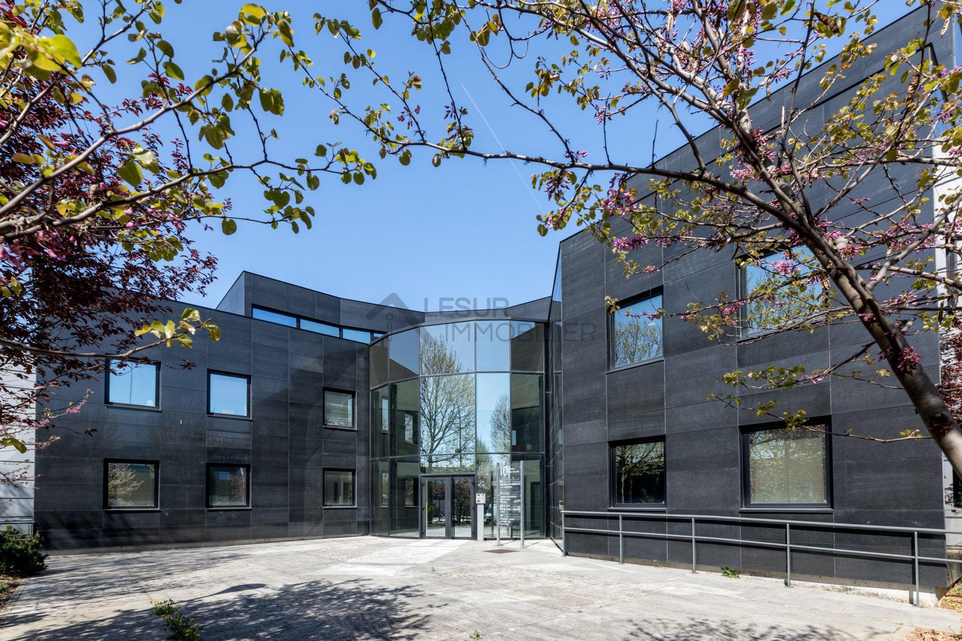 Bureaux Grigny immeuble standing / 8 pkgs