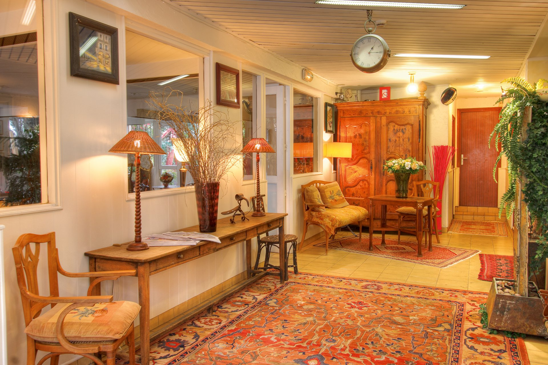 Hotel*** operation in town, 50m from beach