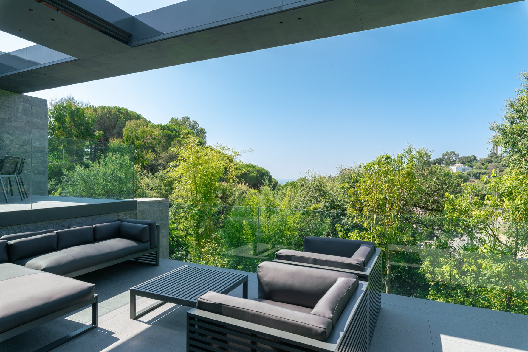 "SUPER CANNES - SUPERB NEW  ""ARCHITECT"" VILLA"