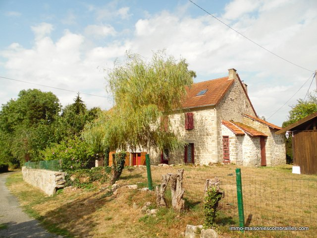 Nice house with studio for sale in the Creuse.