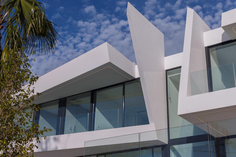 New luxury villa close to the sea in Moraira