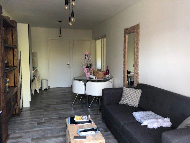 Appartement type 3, 51m², deux chambres, jardinet