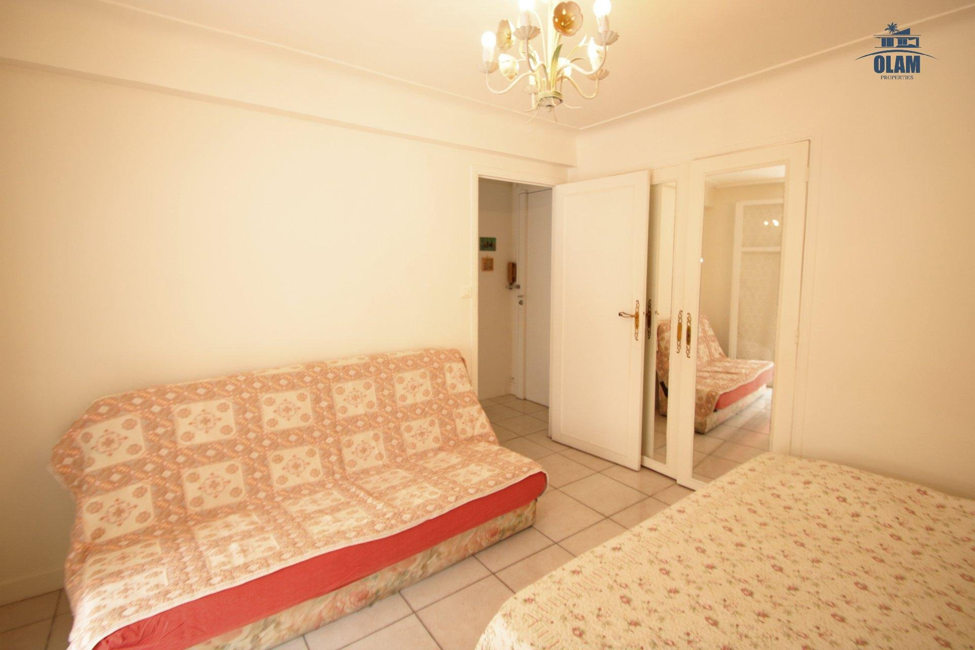 2-br apartment Croisette and Rue d'Antibes 1mn away