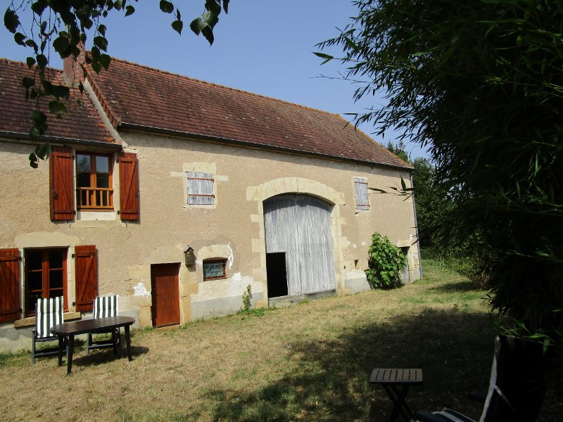 For sale large detached house regio Clamecy of Burgundy