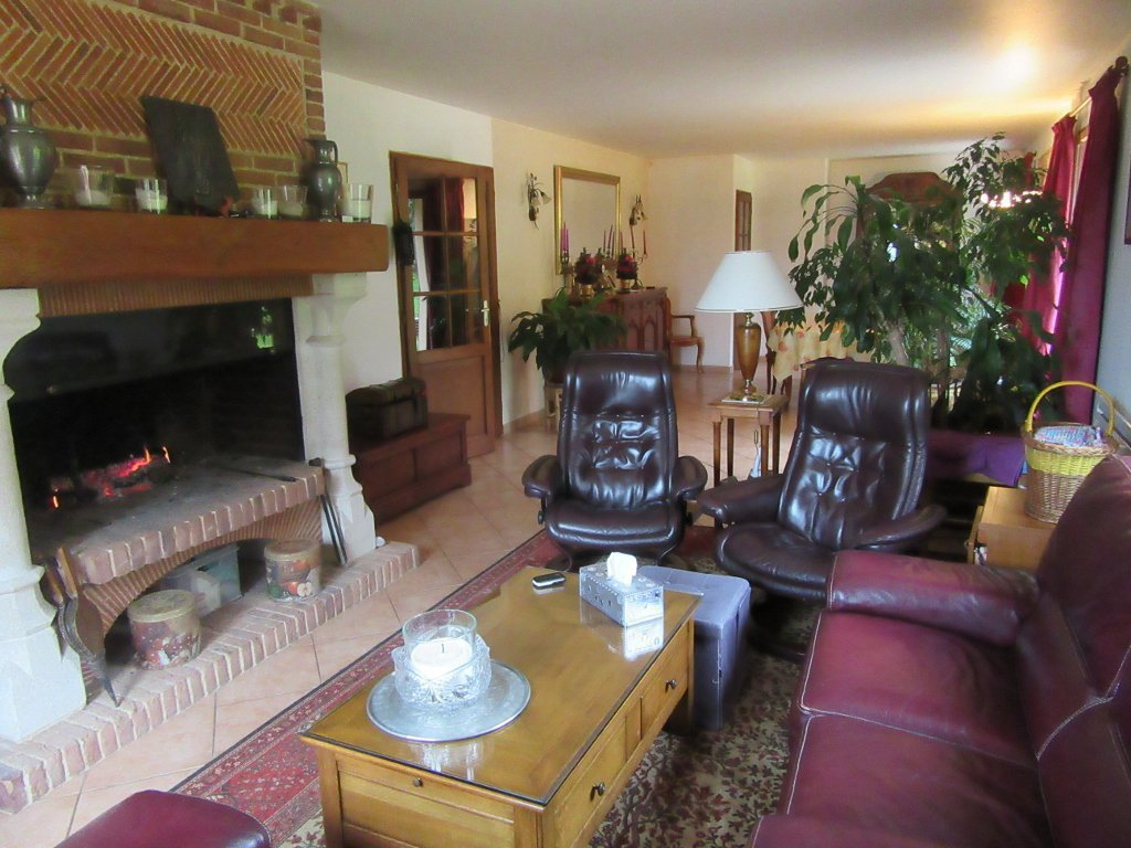 Sale House - Montville