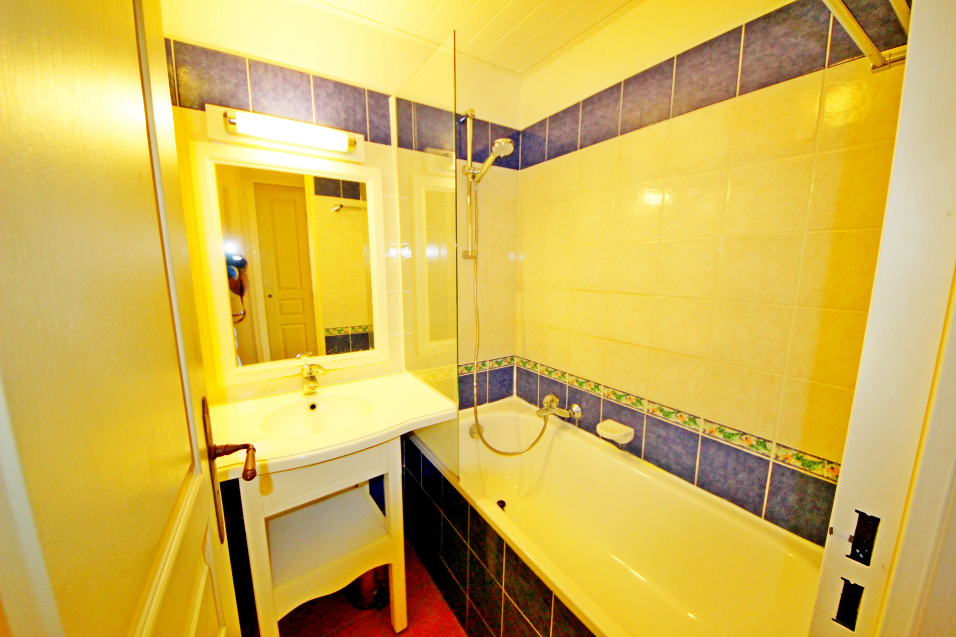Cap Esterel Apartment bathroom
