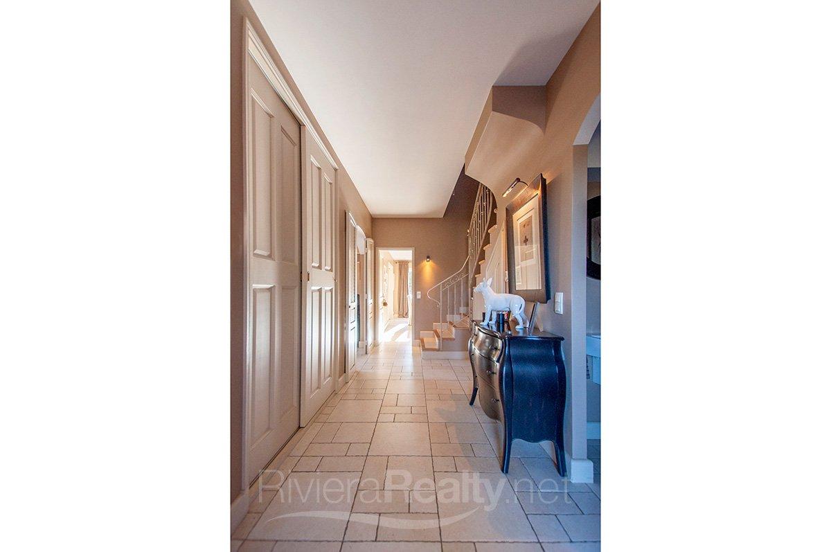 3 bedroomed villa within easy walking distance of Valbonne village