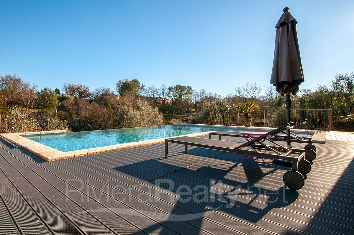3 bedroomed villa within easy walking distance of Valbonne village