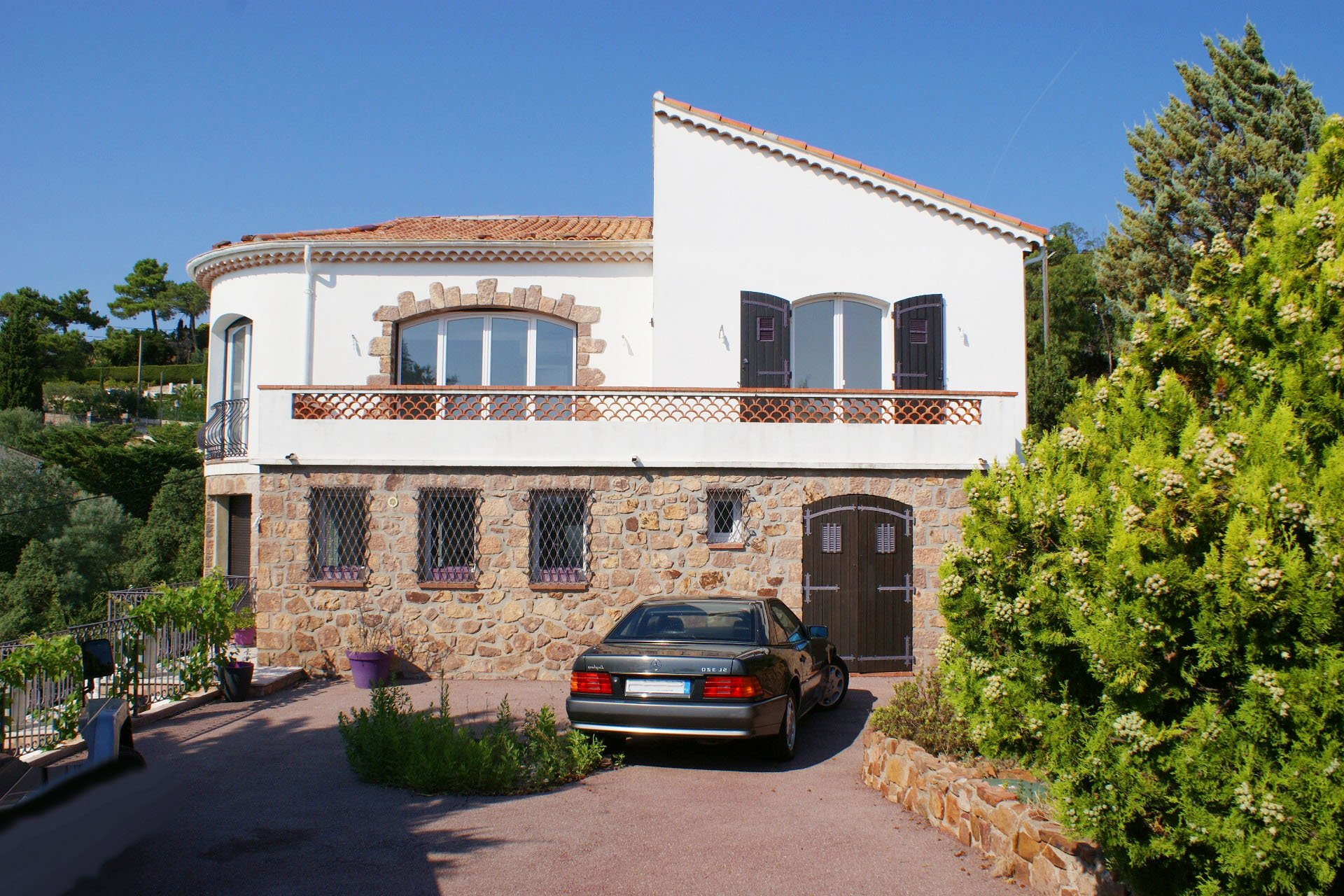 Théoule / Le Trayas: Provençal villa with 180° sea and mountain view