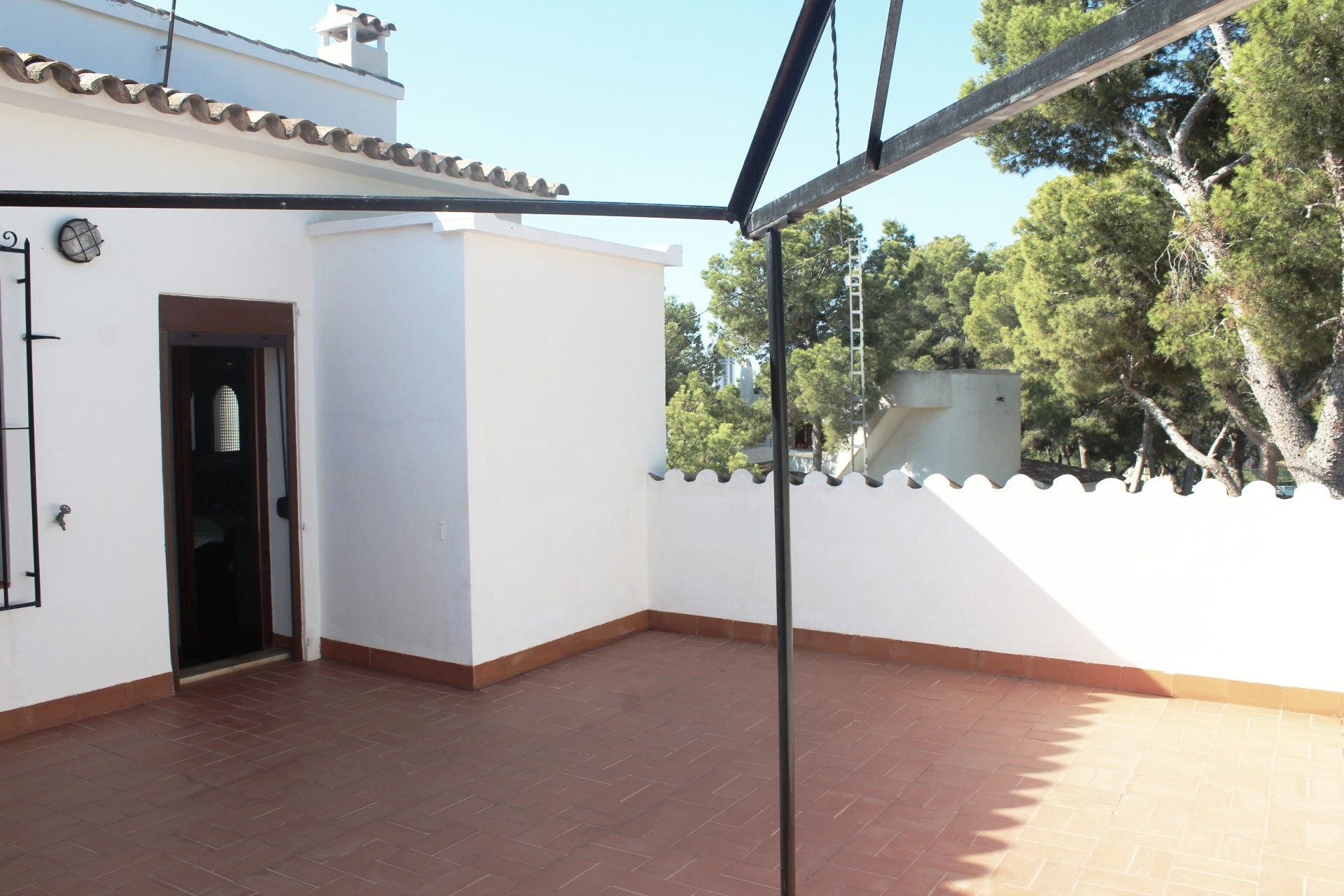 Great villa on big plot with fantastic sea views, near the sea