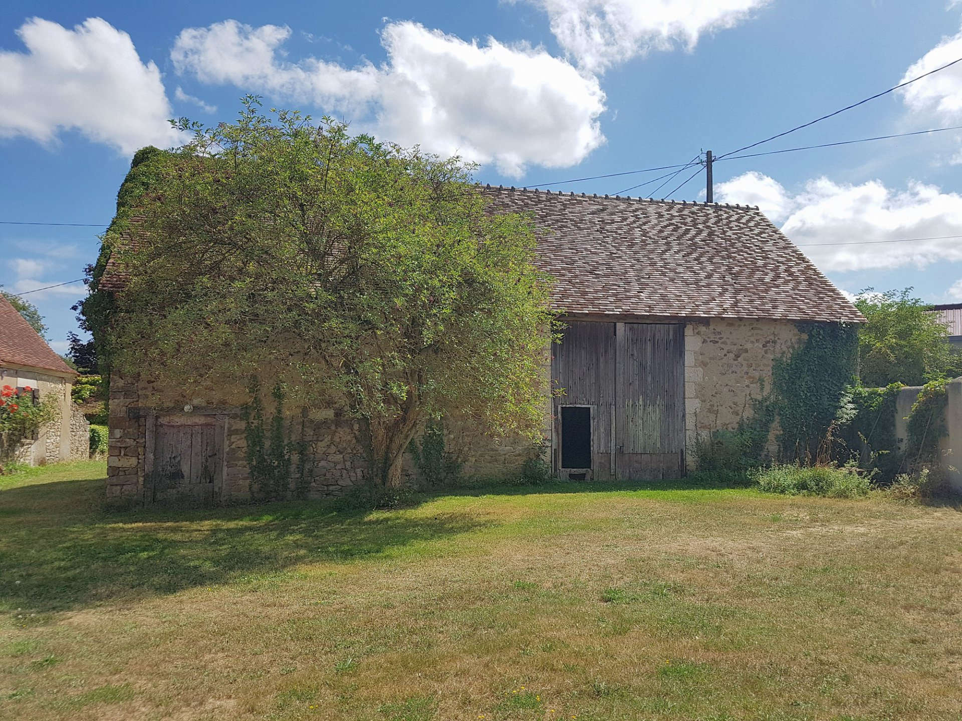 Big house with view and barns for sale in the south of Brenne 36