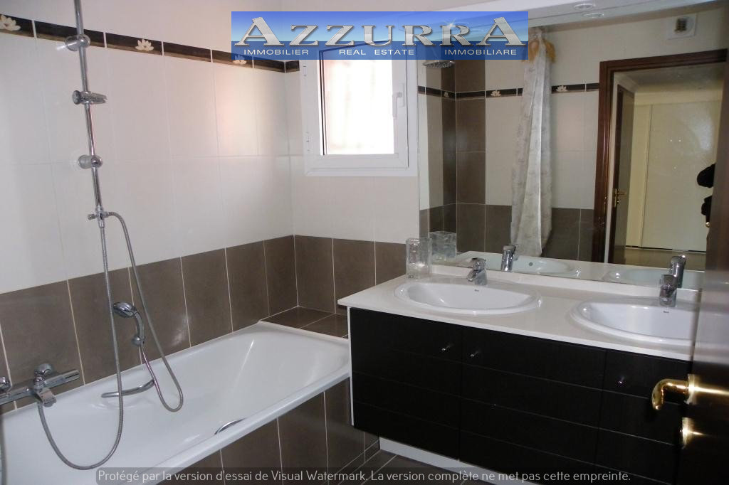 ApartmentStage 3rd, View Grounds, General condition New, Kitchen Fitted, Heating Separate electric, ...