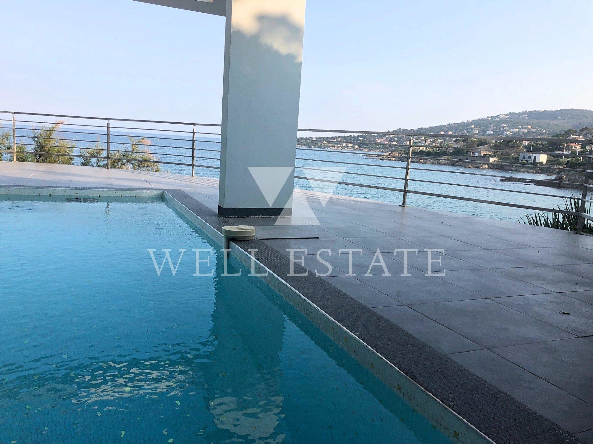 SAINT-AYGULF BEACH FRONT MODERN VILLA 200M2 SWIMMING POOL ELEVATOR