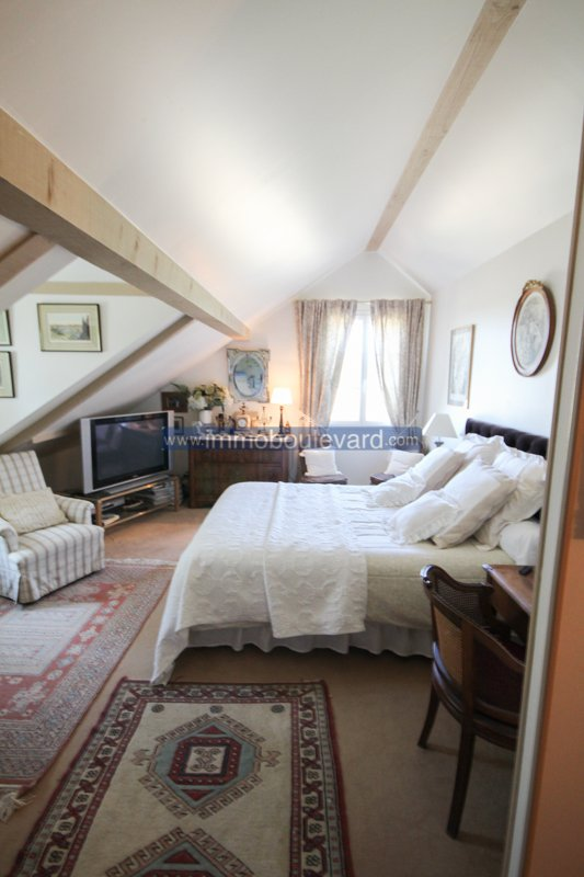 Large fully renovated stone farmhouse for sale near Moulins Engilbert.