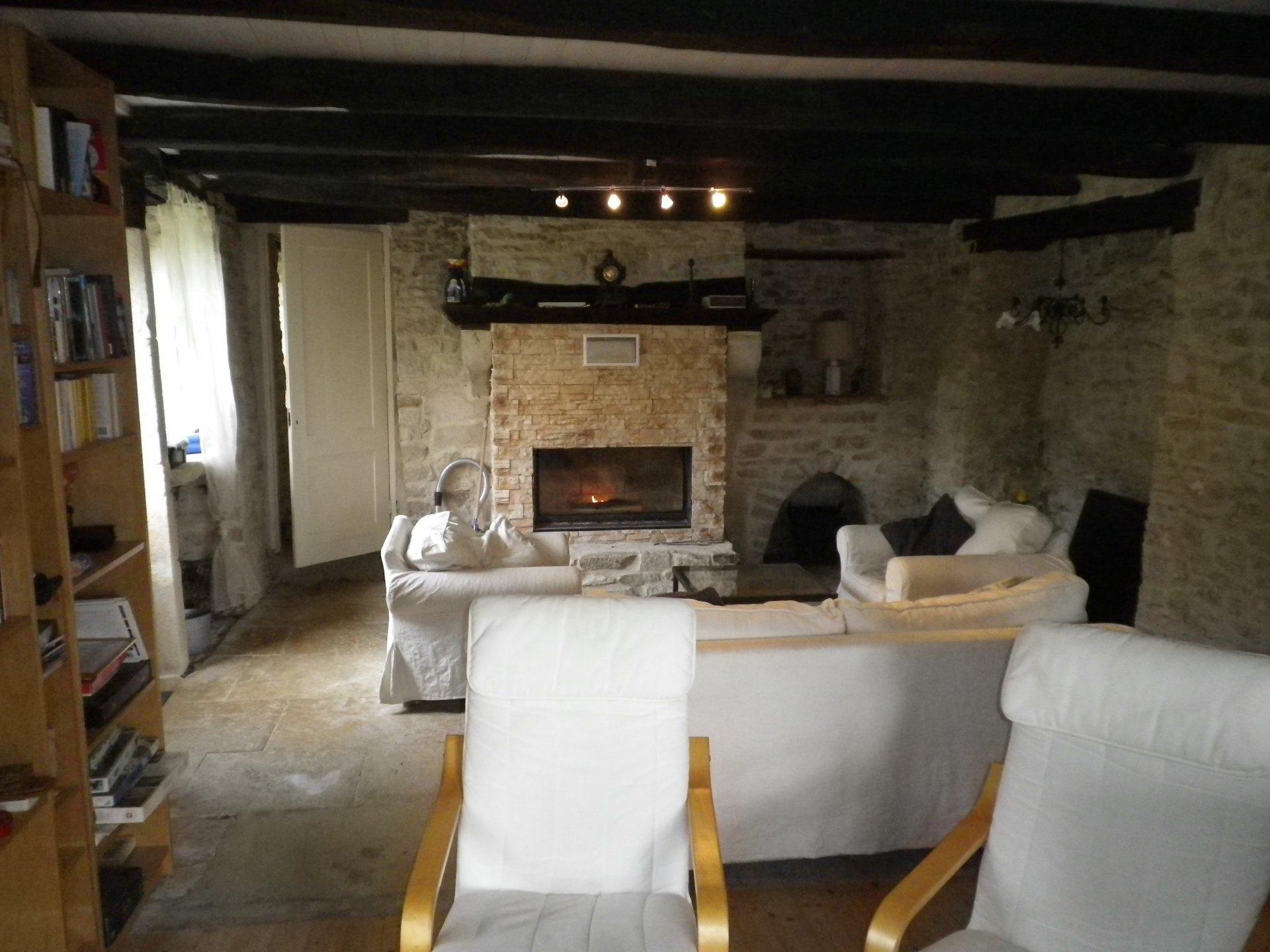 Belle maison en pierre avec gîte en Haute-Saône