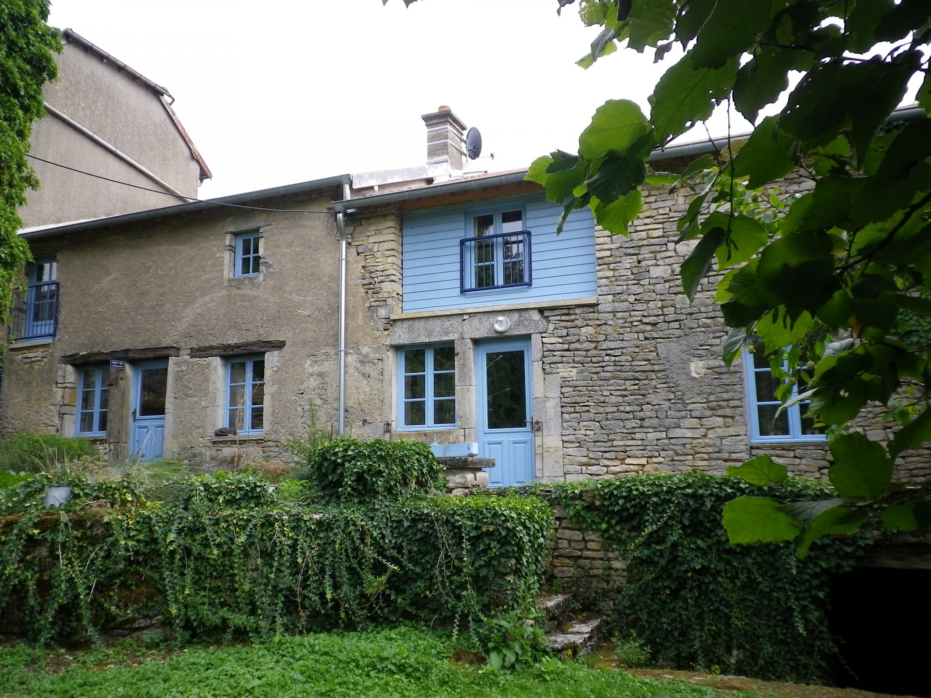 Beautiful stone house with gite in the Haute-Saône