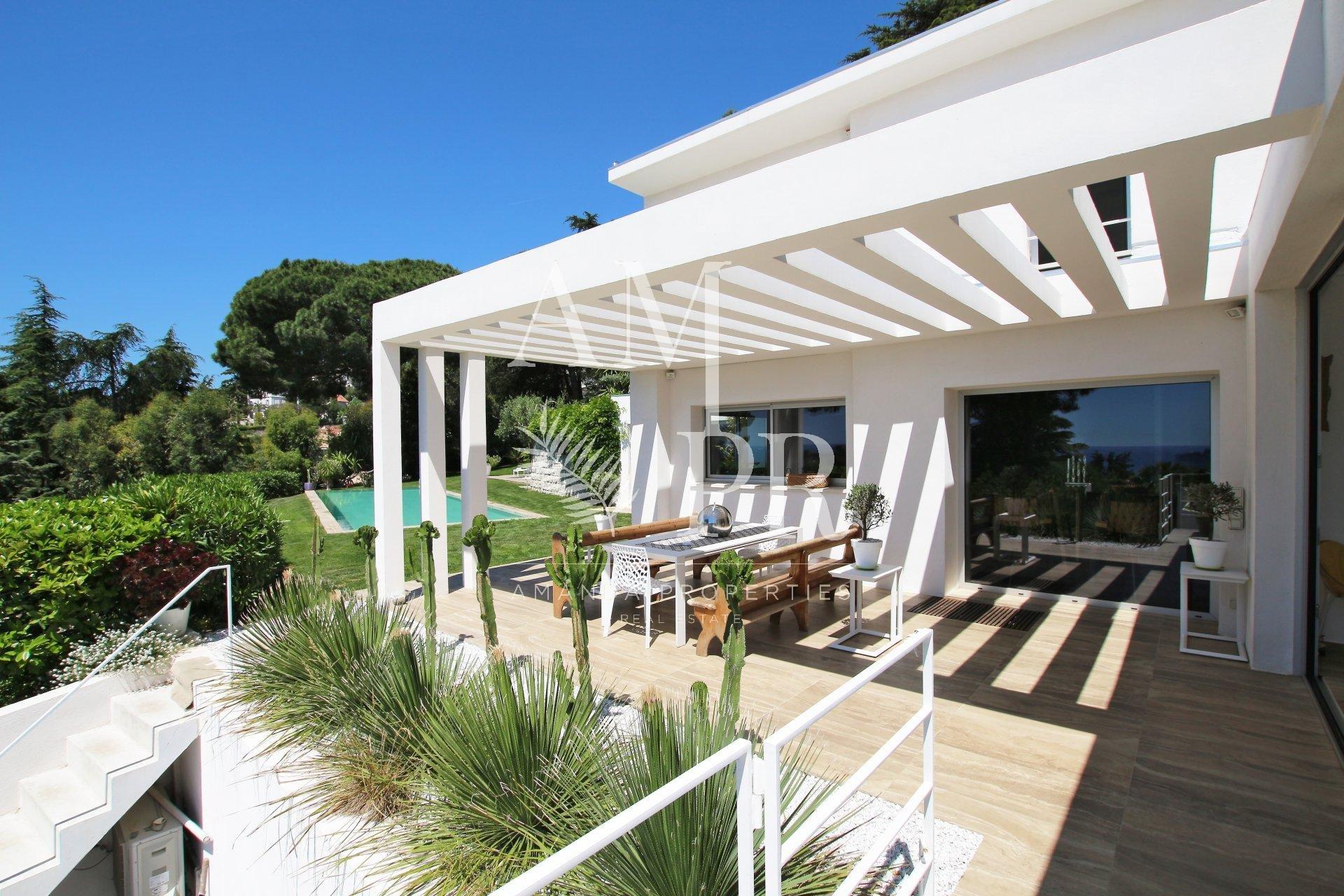 Cannes - Croix des gardes - Villa Contemporaine Haut Standing Panoramique Vue mer - Congrès / Vacances  -  10 Personnes