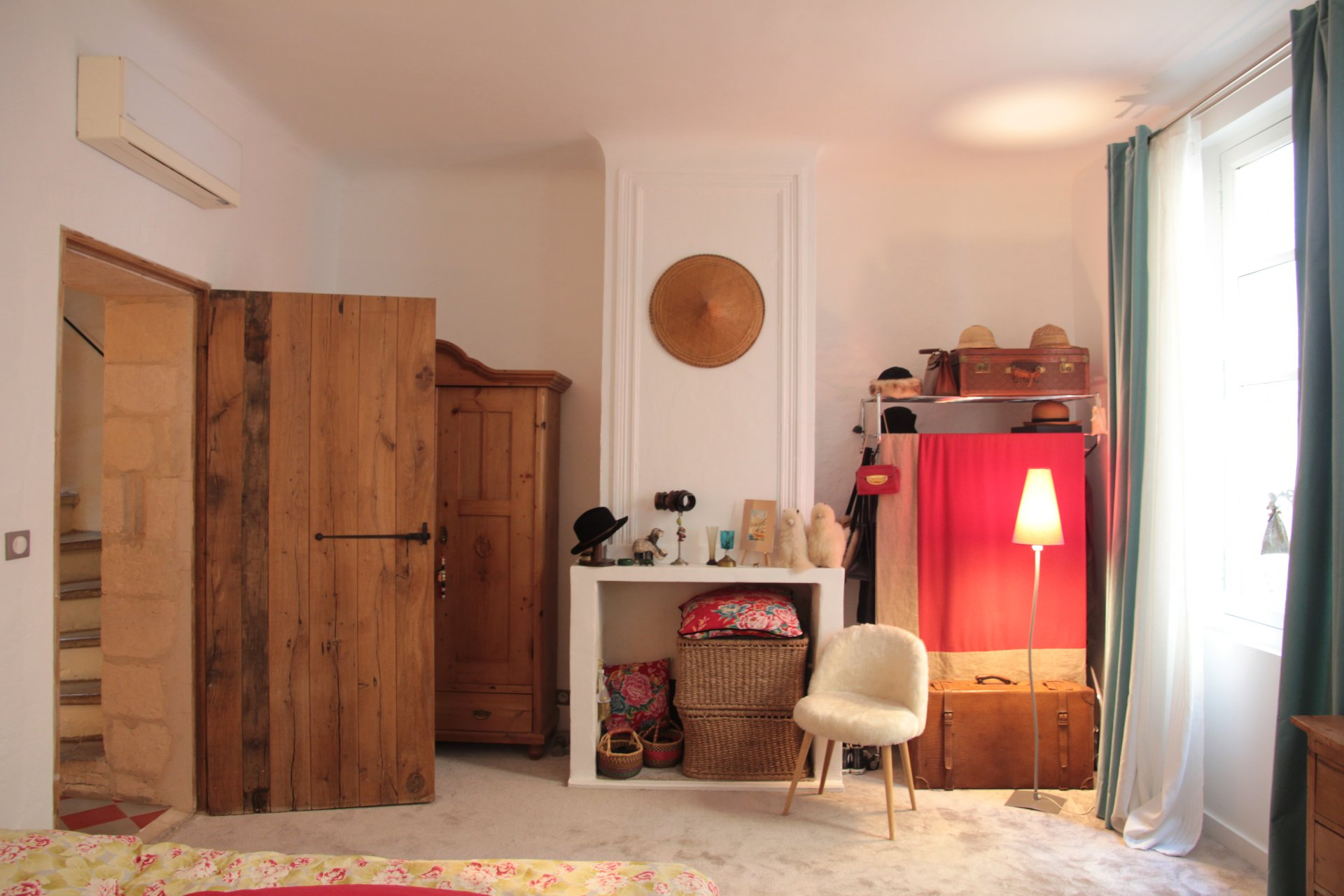 3 BEDROOM CHARACTER HOUSE  FOR SALE IN ARLES CENTER