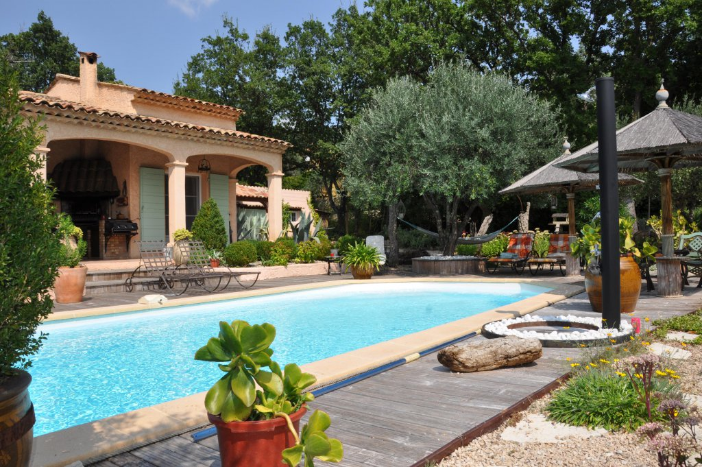 Charming villa with swimming pool- Seillans