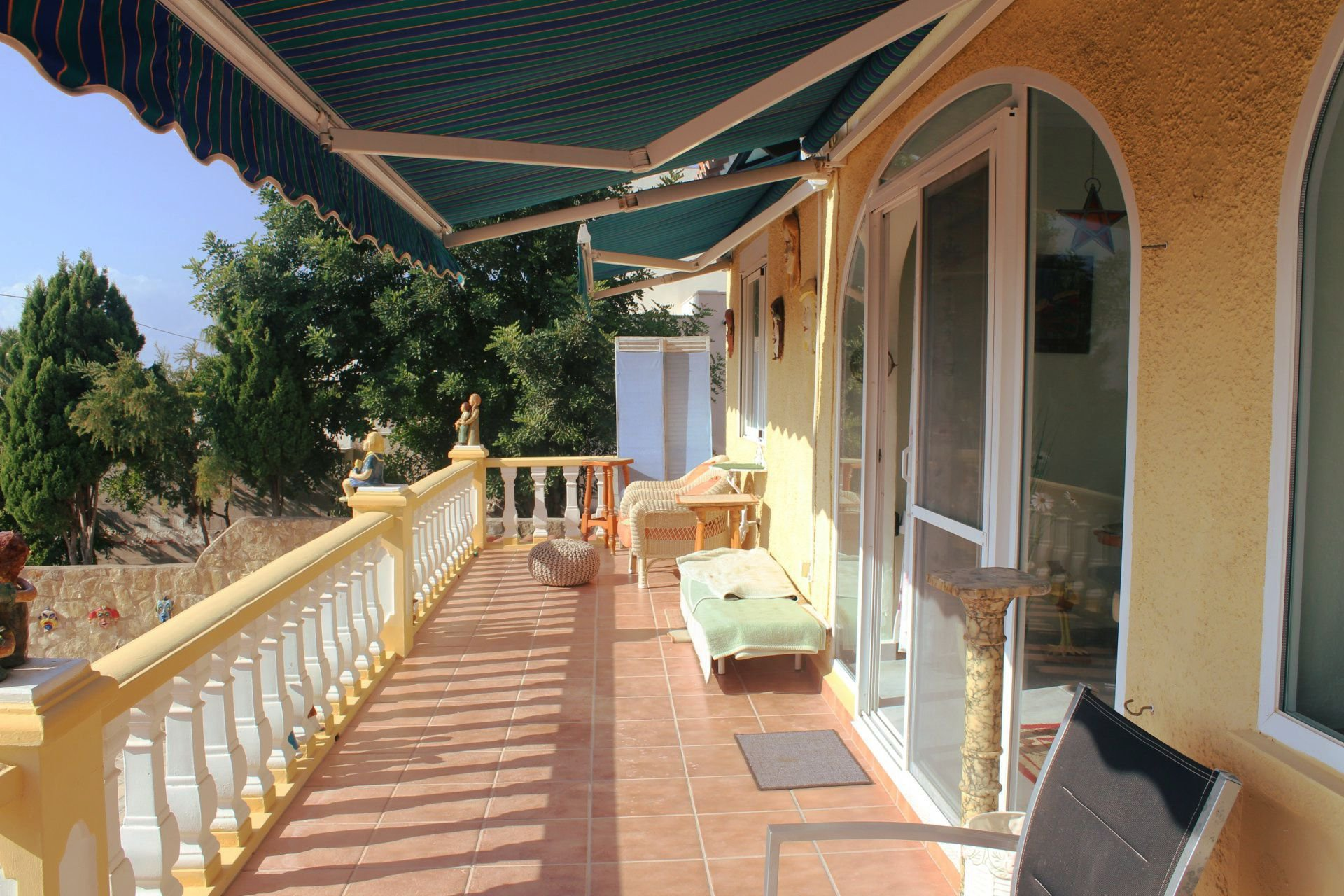 Big villa with sea views and lot of potential