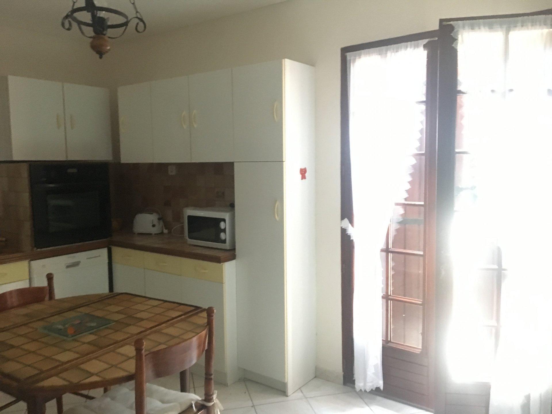 location appartement meublé 90m²