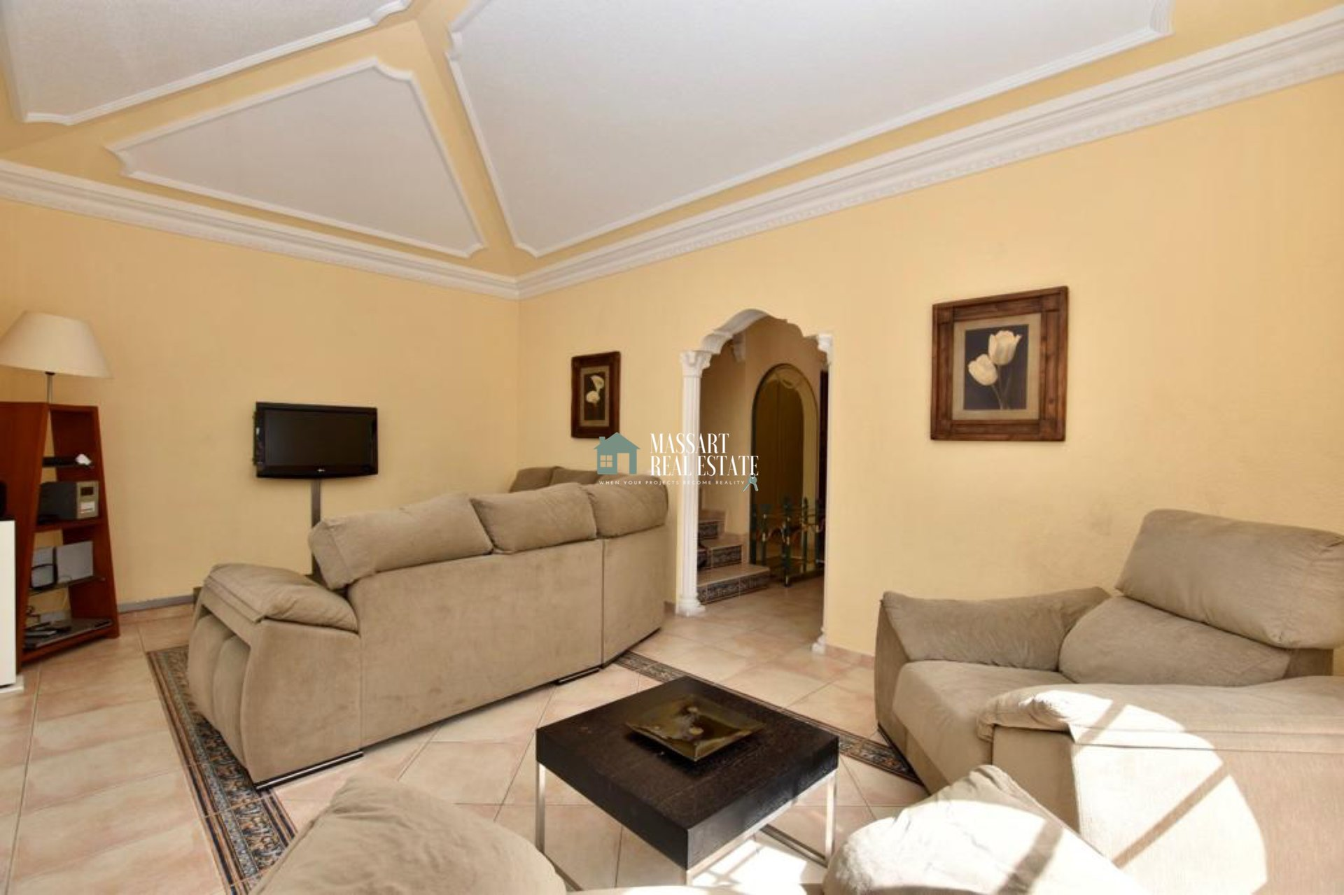 Prachtige villa van 160 m2 in een prestigieuze en rustige buurt van El Madroñal.