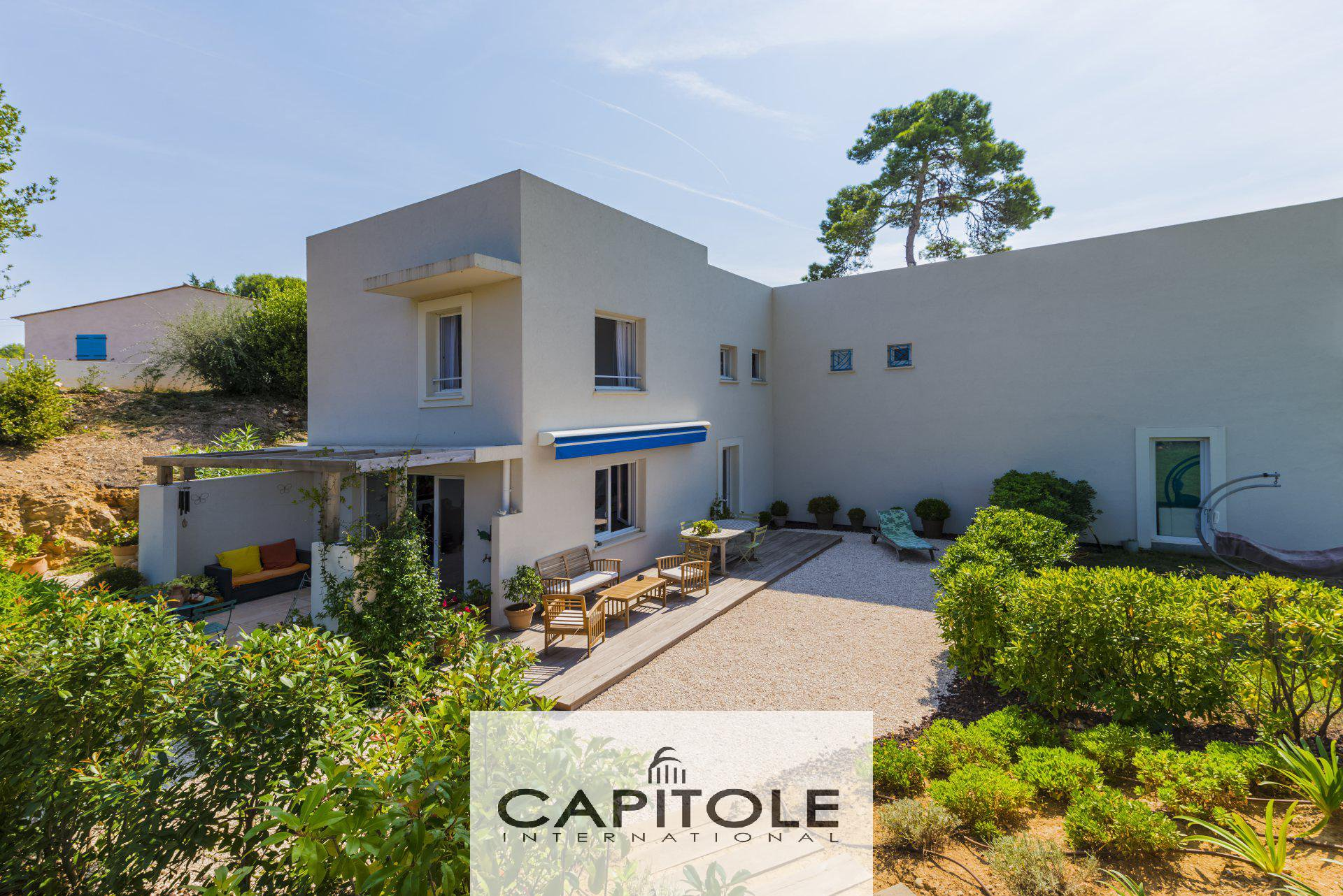 Antibes - villa - 3 bedrooms of 88m² with large private calm sunny garden