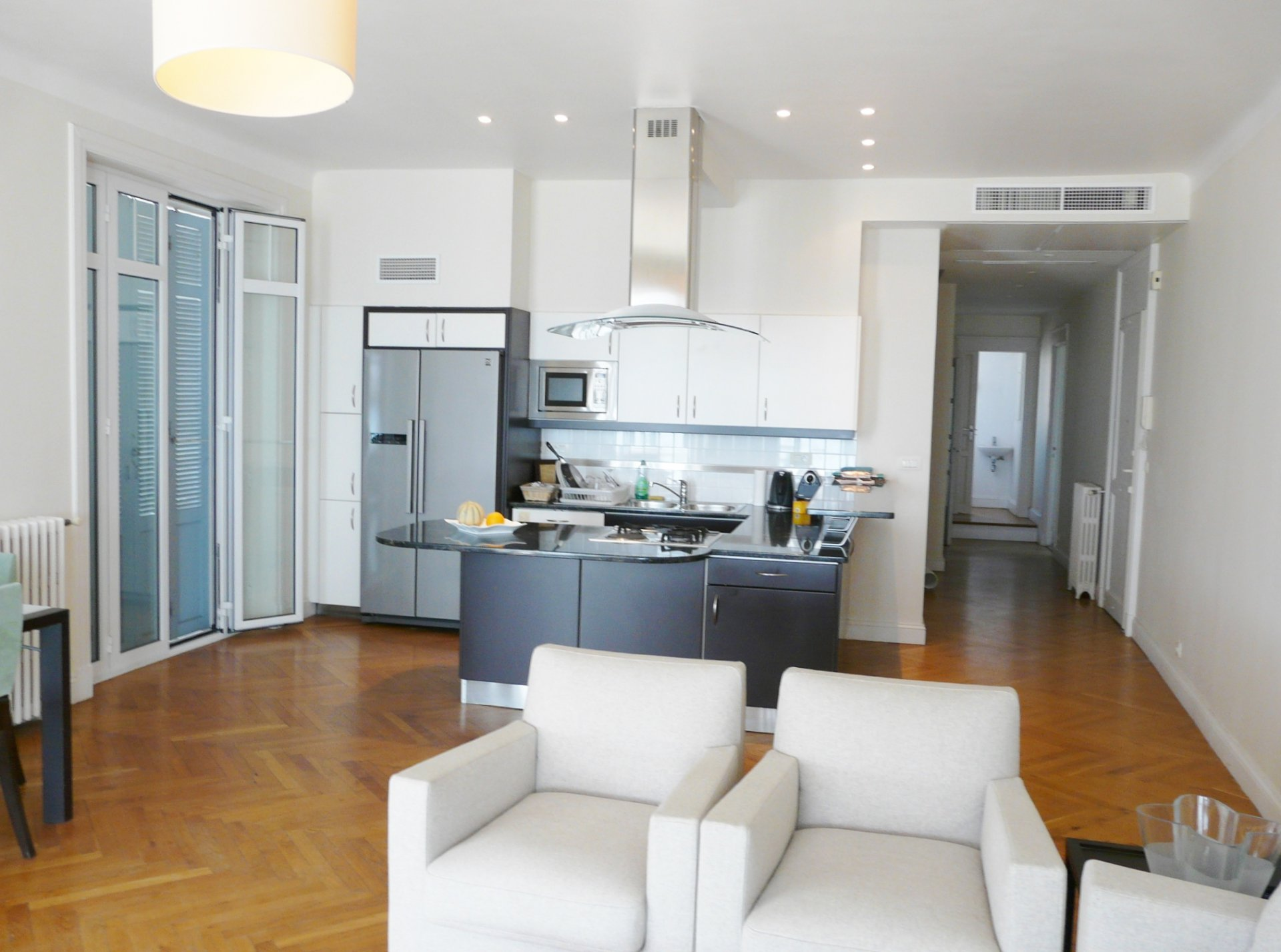 APARTMENT WITH SEA VIEW FIRST LIGNE