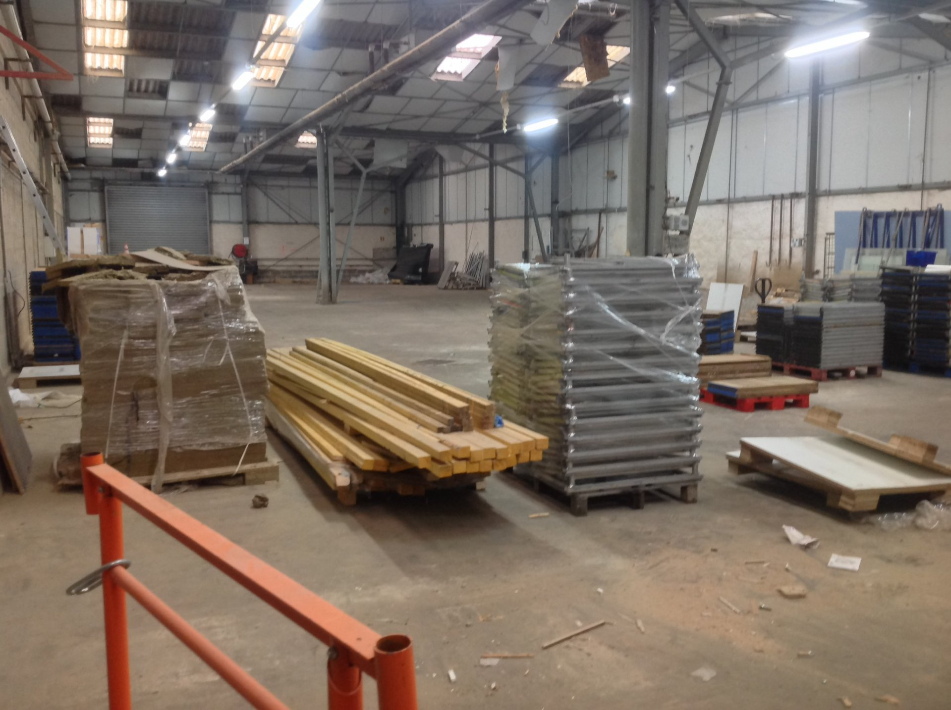 Rental Warehouse - Servon