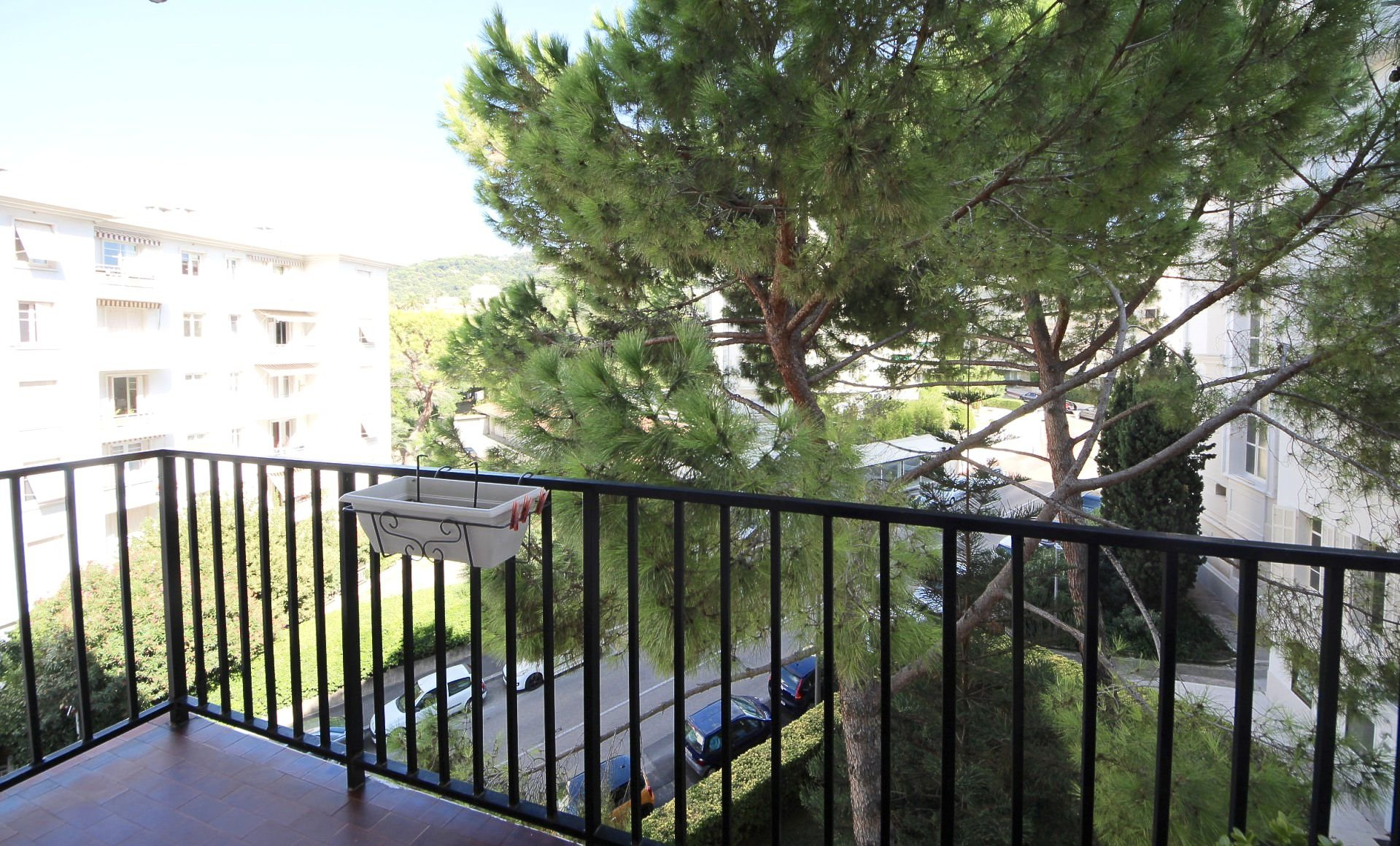 1 bedroom apartment with Terrace and parking/Downtown Cannes