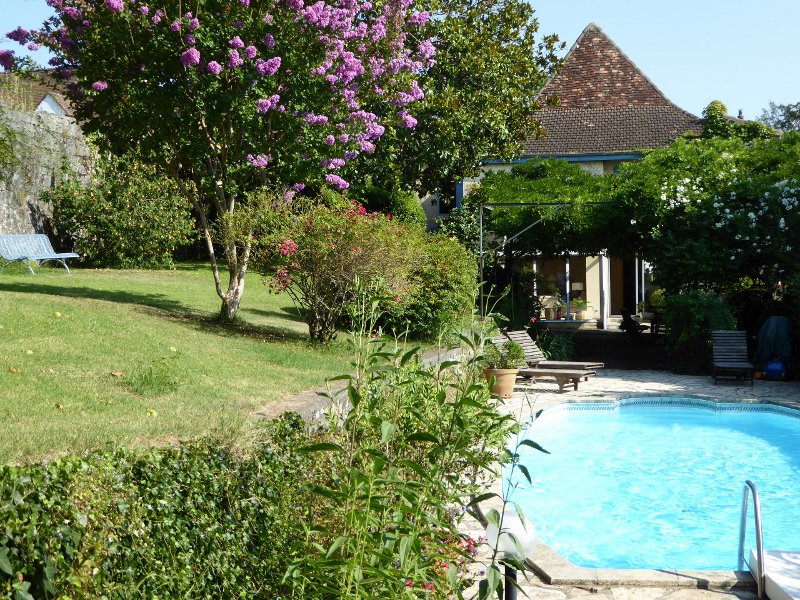 ORTHEZ centre - Beautiful 18th century town house in excellent condition with swimming pool and 1850