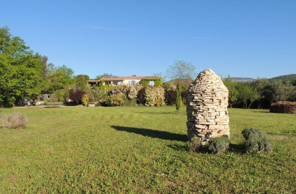 Pays de Fayence property in the country near the village