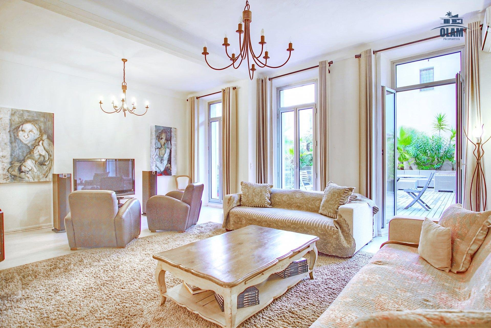 GRAND 3P 100M² CENTRE CANNES PALAIS A 3MN - APP GC