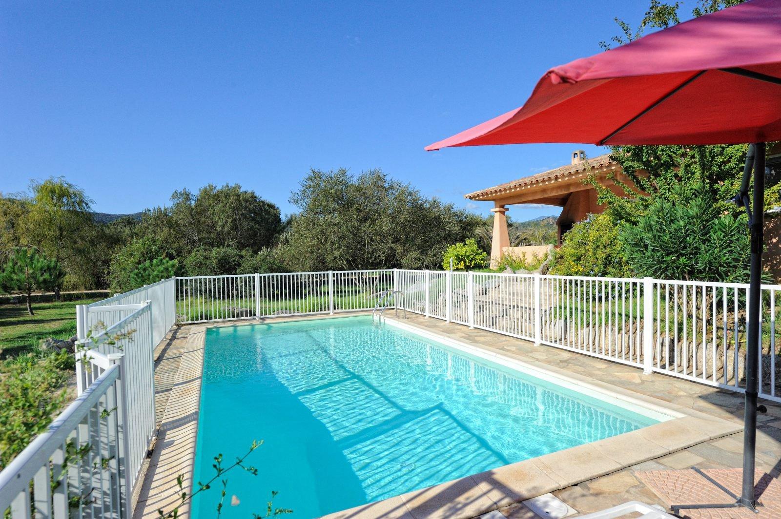 VILLA 5P de plain pied 180 M2 piscine plage à 5 minutes à pied