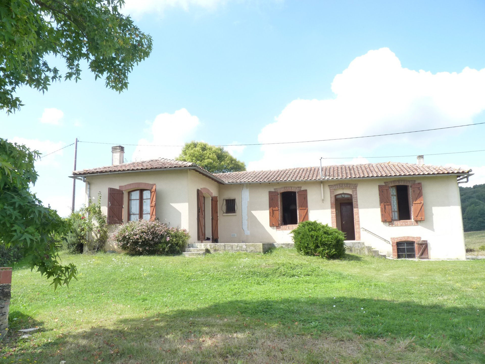 Near St Marcet, country house of 80 m² with large plot