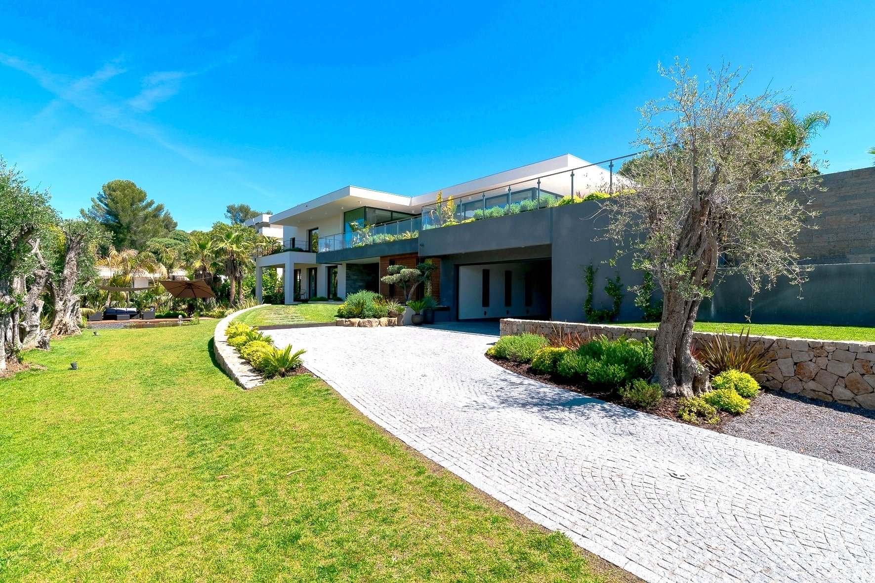 LE CANNET COLLINES  - MAGNIFIQUE VILLA CONTEMPORAINE