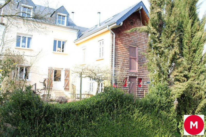 LEUDELANGE - House of character in a green setting