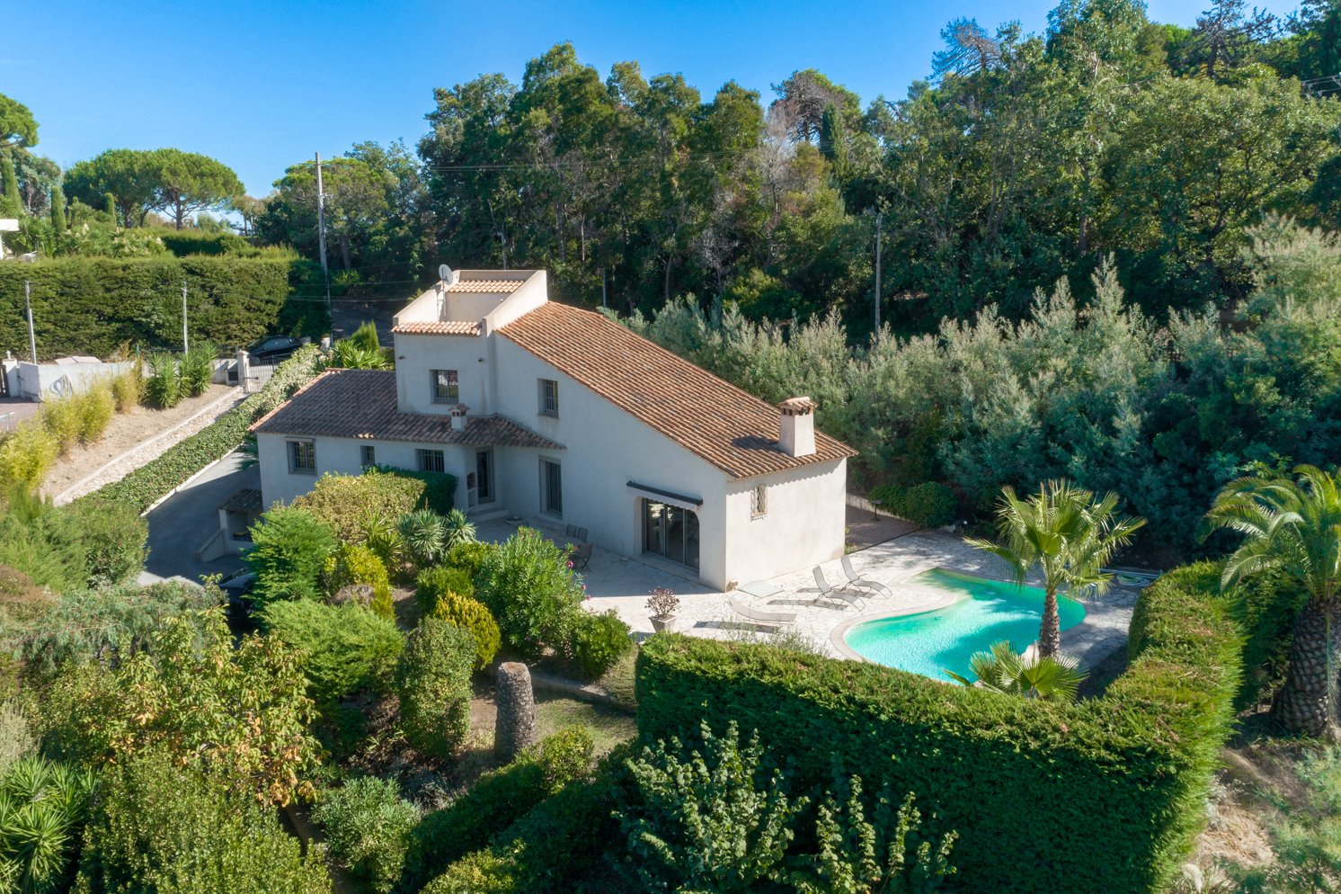 SUPER CANNES - BEAUTIFUL RENOVATED VILLA