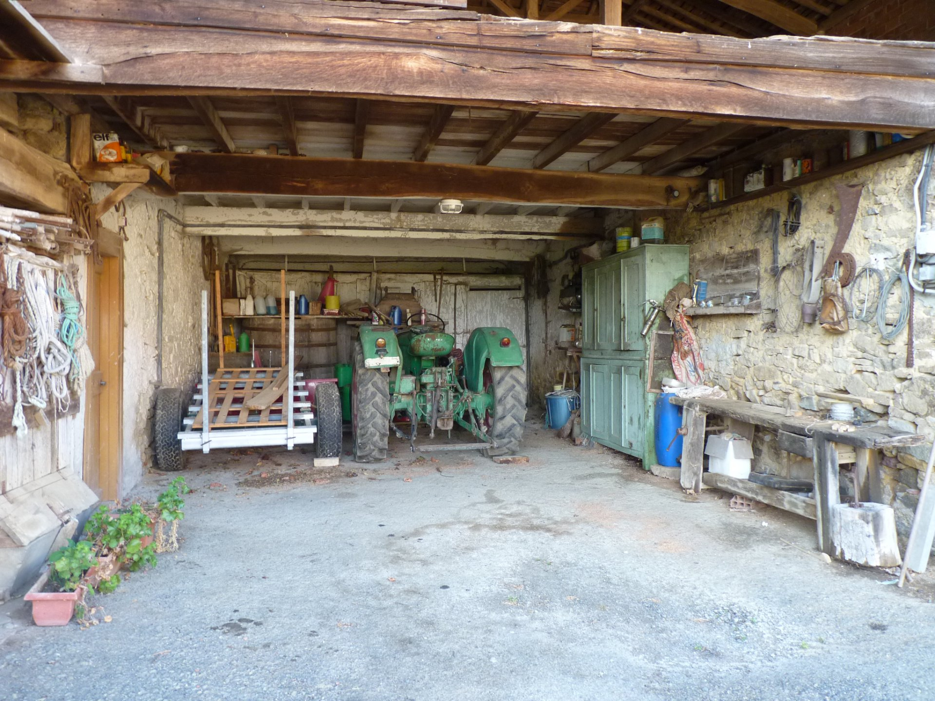 Authentic farm T5 with many outbuildings, panoramic view!