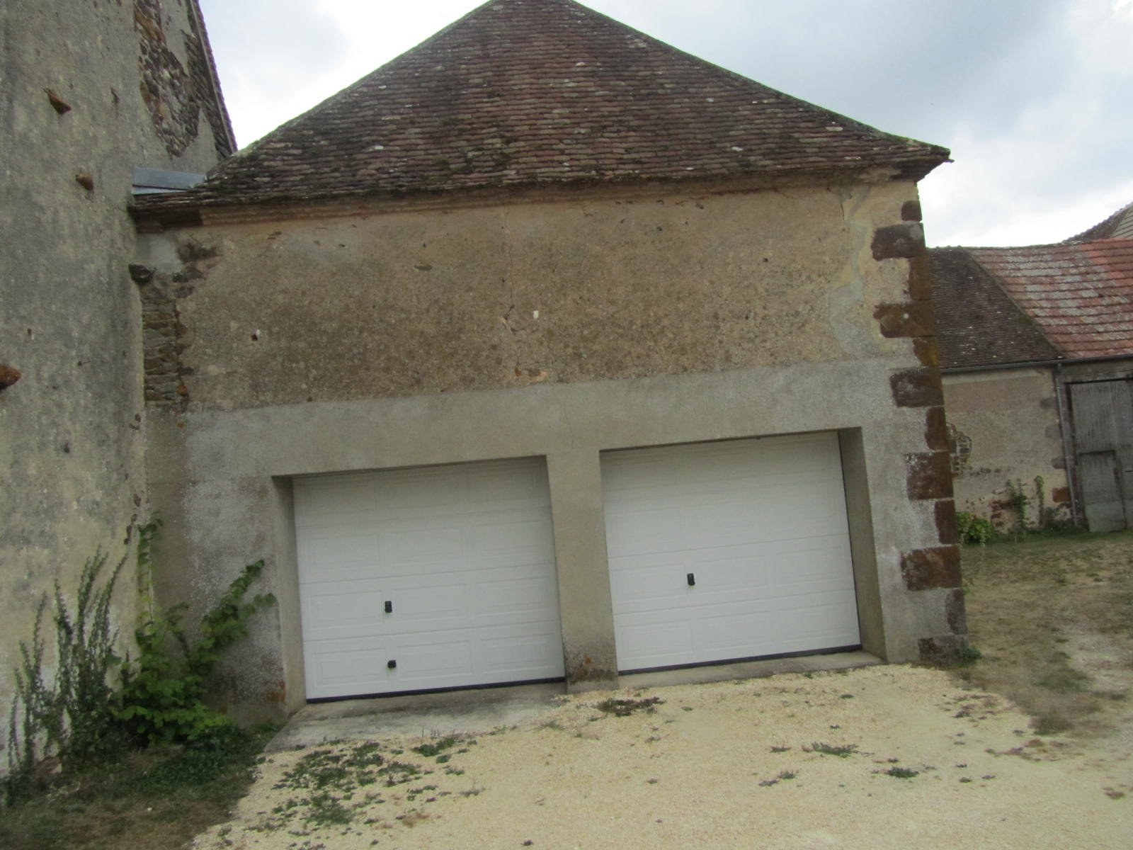 maison bourgeoise dans village Pays fort