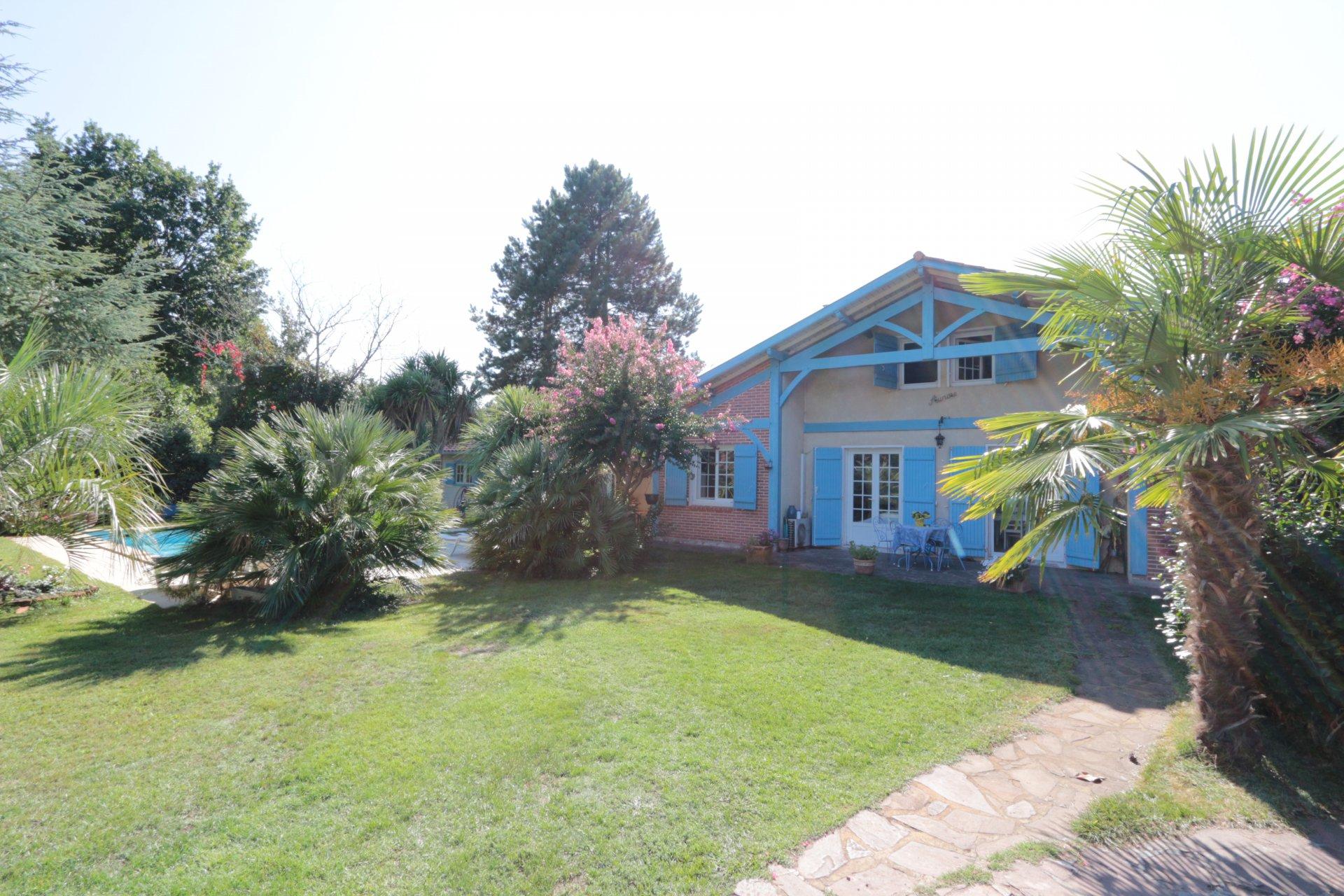 Maison Landaise de 107m2 au calme avec piscine