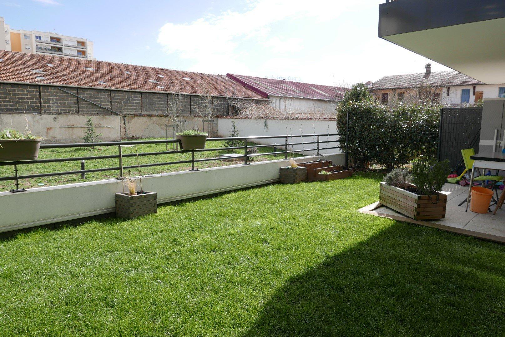 Location Appartement Surface de 58.6 m², 3 pièces, Villeurbanne (69100)