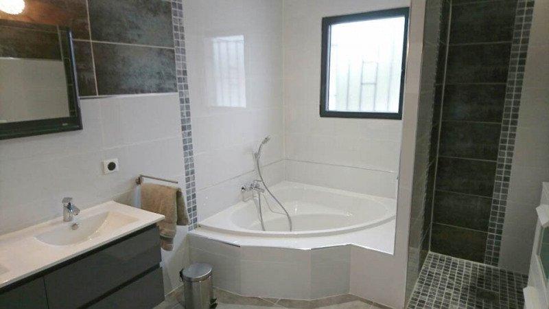 A vendre- Villa  standing- 5 chambres-piscine-Jacuzzi-sur 1200m² clos